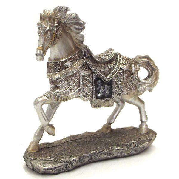 Horse statue medium size